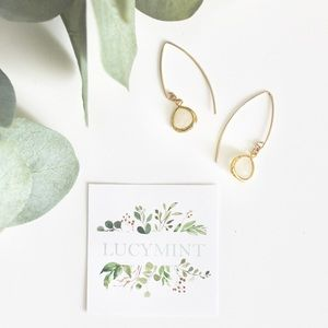 HANDMADE / Smoky White Drop Stone Earring